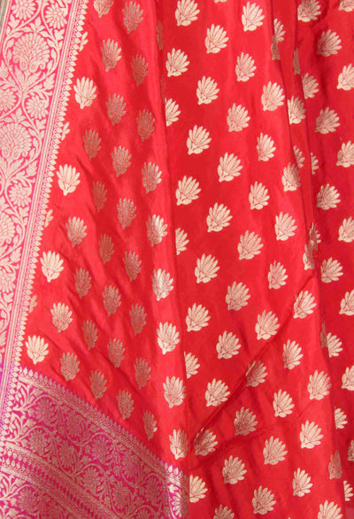 Red Katan Silk Banarasi Dupatta with lotus motifs (2) Close up