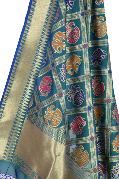 Teal Banarasi Dupatta with big patan patola design (2) Close up