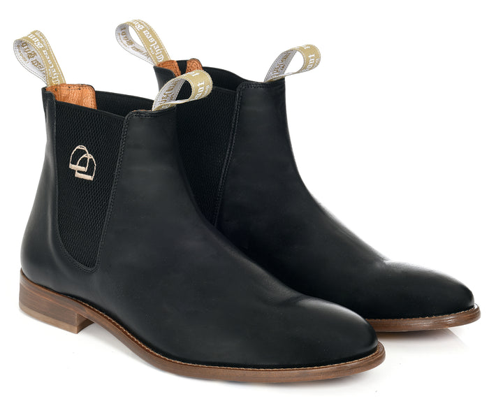 The Classic Chelsea Boot Black