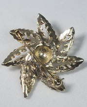 Vintage snowflake style leaf brooch with faux pearl flower accent pin