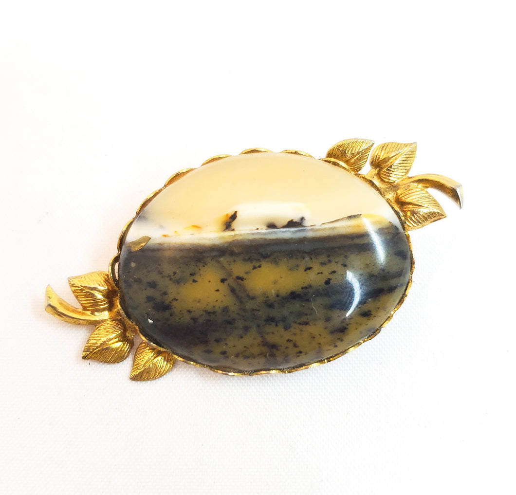 Victorian Revival banded agate vintage brooch pin mid century