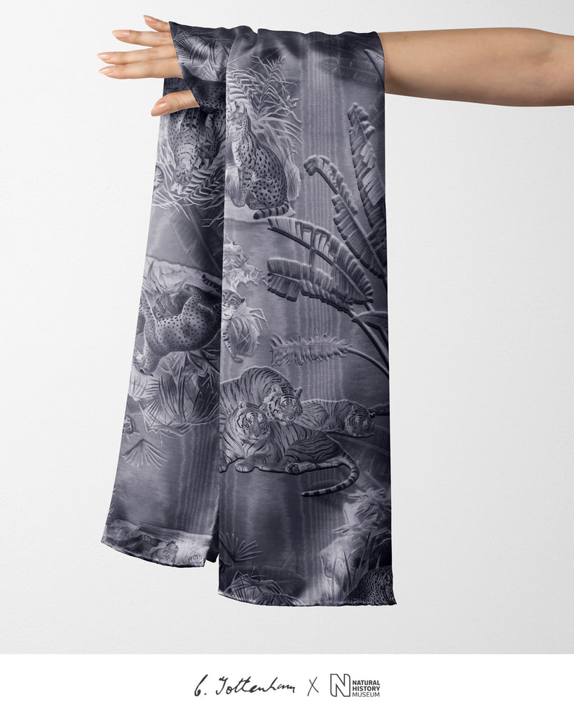 Big Cats Jungle printed Silk Twill Silver Gray