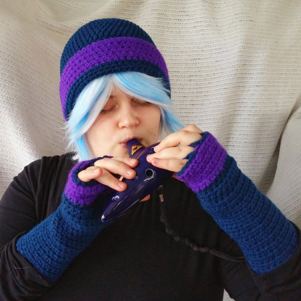 Cloche Hat and Fingerless Gloves Set Skate Boarder Beanie   CT003