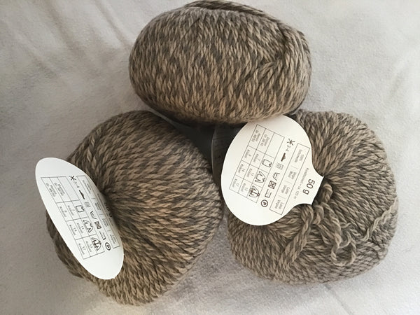 Limbo Stahl Wolle 100% virgin wool 2 balls 50gm each