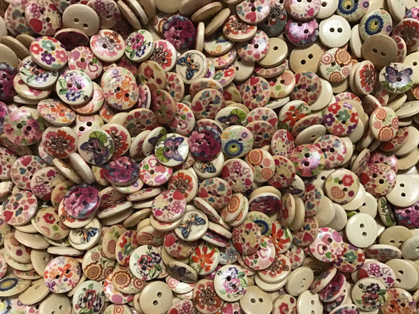 5/8 Inch Assortment Buttons 15mm Natural Background BK10
