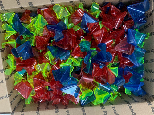 Clearance - Bulk Plastic Buzzbait Blade - 500-600 count mixed box