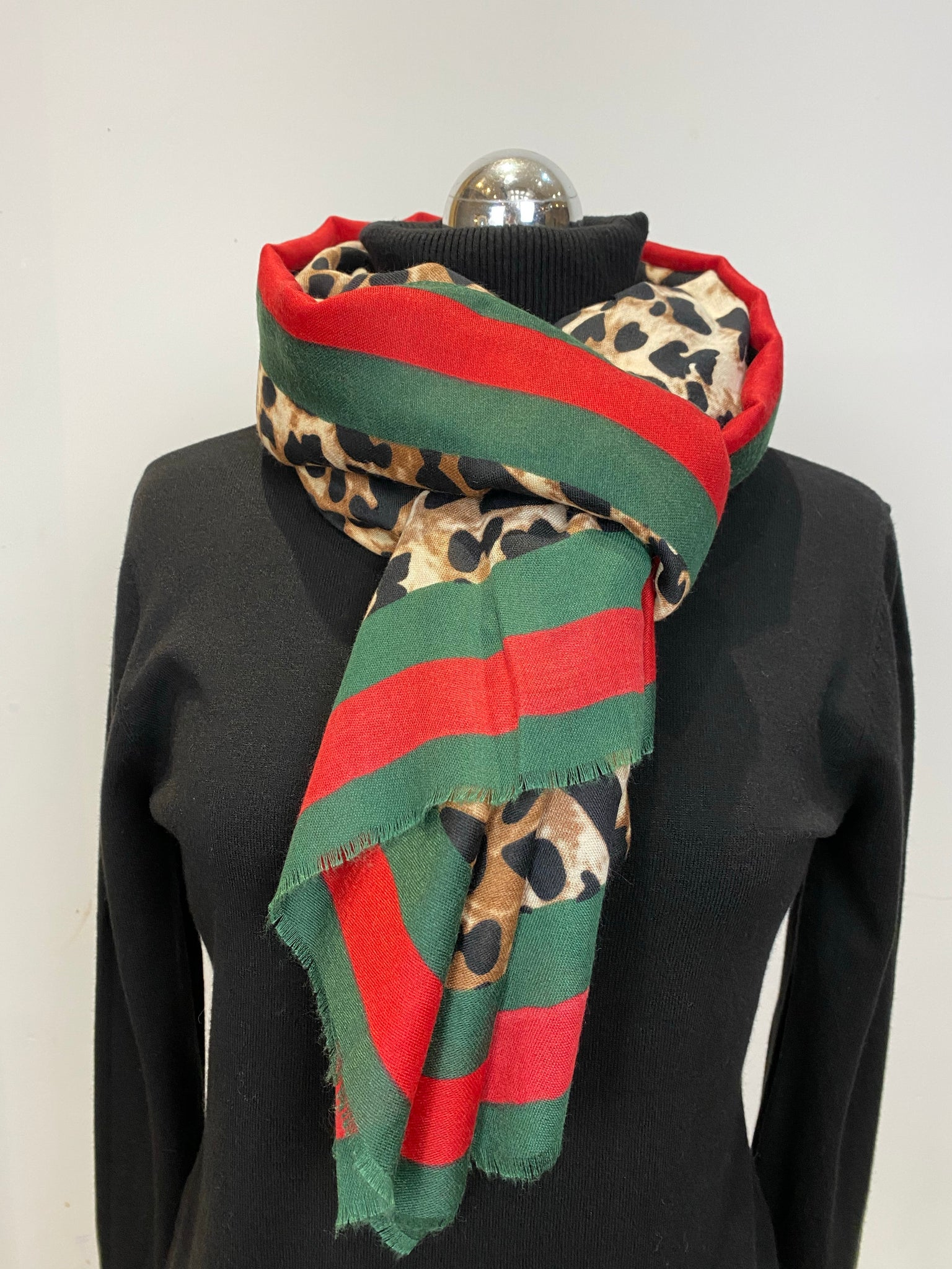 The Gabi leopard print scarf - Bella Boutique
