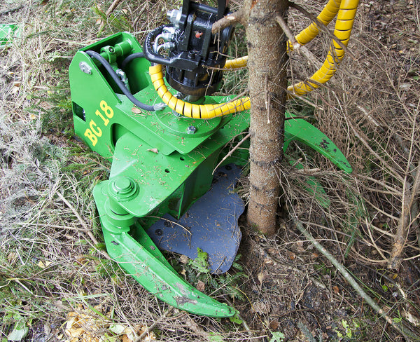 BC18 tree shear for FARMA cranes and log loaders.