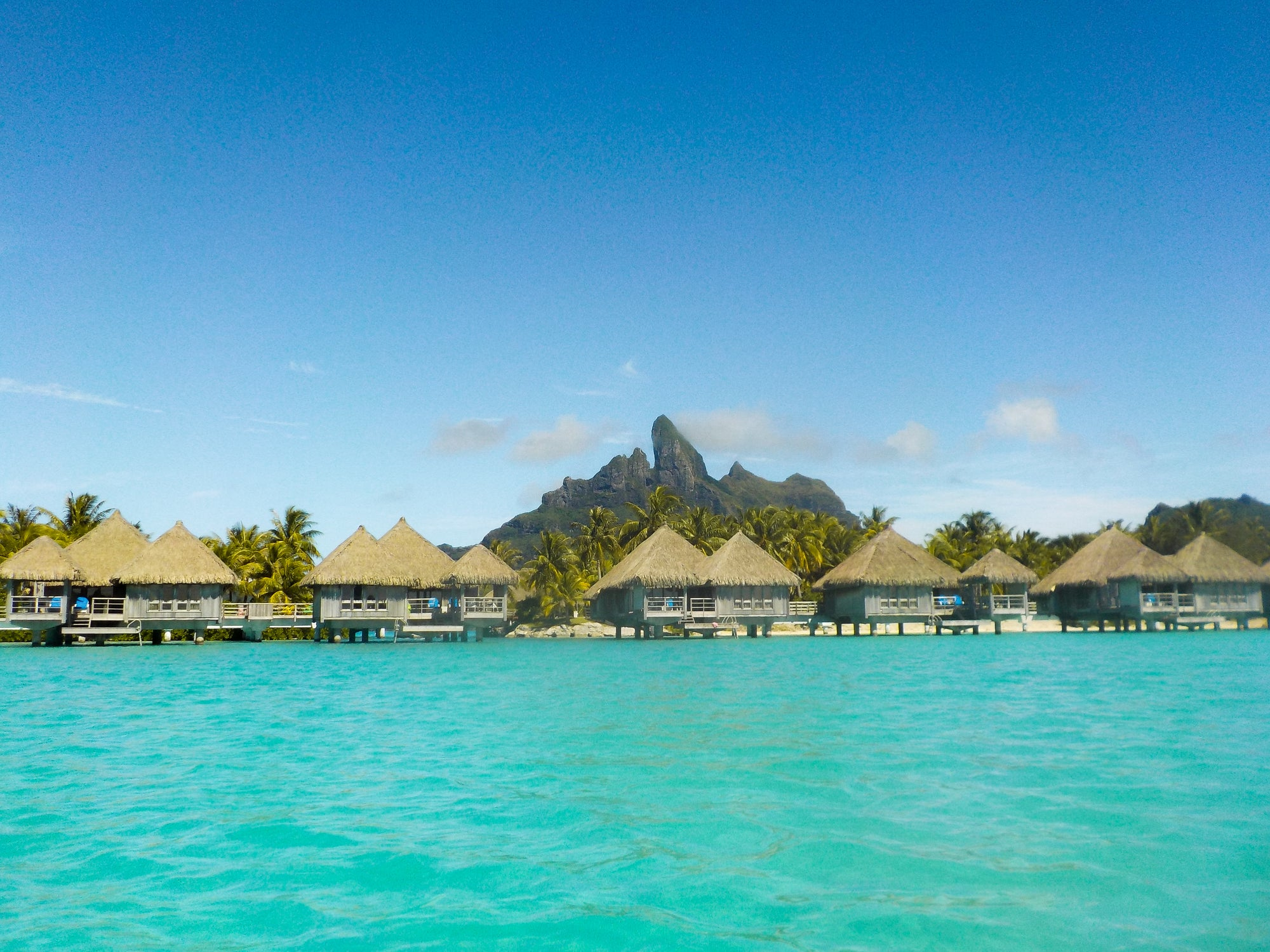 Bora Bora Dream Vacation on a Budget with blingsling
