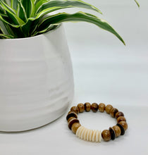 Load image into Gallery viewer, OKO Alli Handmade Bracelet