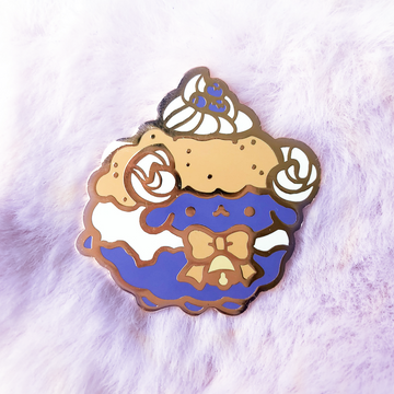 Blueberry Baackle Pin