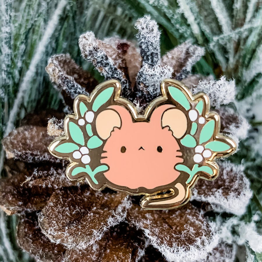 Mistletoe Mouse Pin