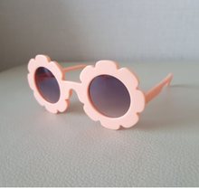 Girls Peach Sunny Sunglasses | Sluice Farbo