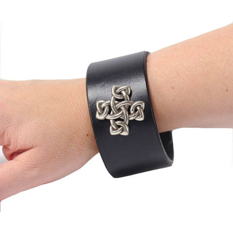 Black Scalloped Wristband