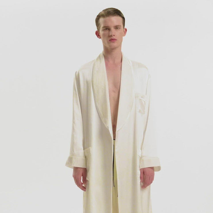 The Gentlemen Velvet Silk Robe in Ivory