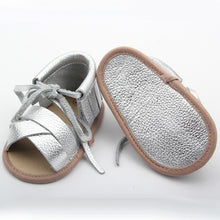 Super cute leather baby shoes, perfect crib shoes