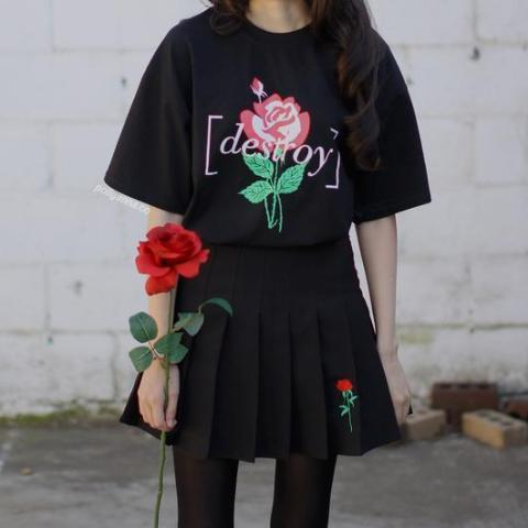 Destroy Rose T Shirt - Aesthetic Outfits