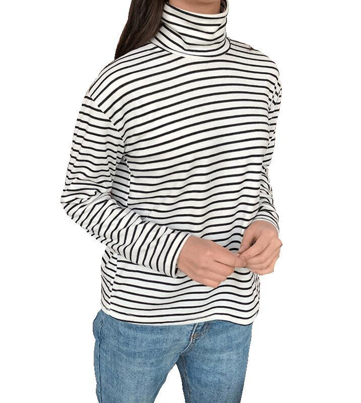 Long-Sleeved Striped T-Shirt - Aesthetic Outfits