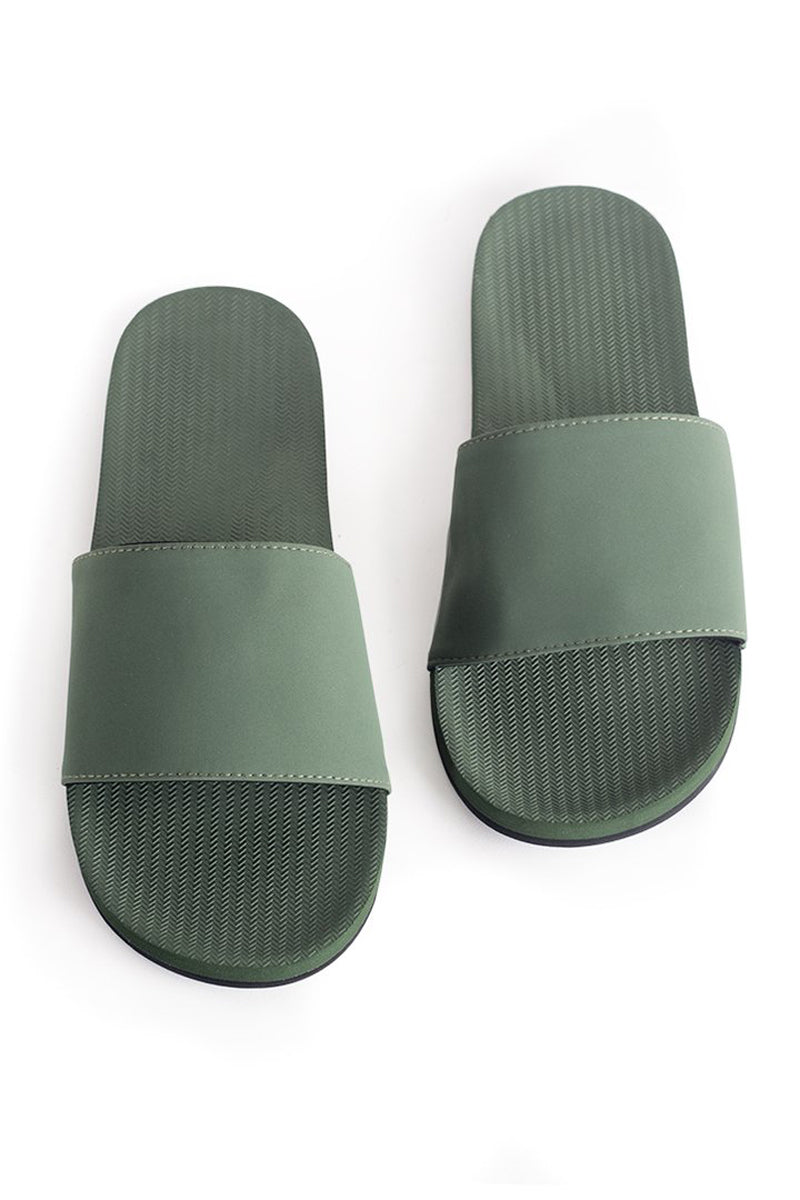 ESSNTLS - Womens Slide - Leaf