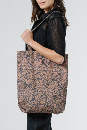 Load image into Gallery viewer, Panthera Tote - Mustang Brown