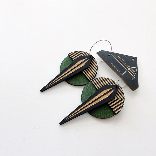 La Naja Earrings  - Emerald
