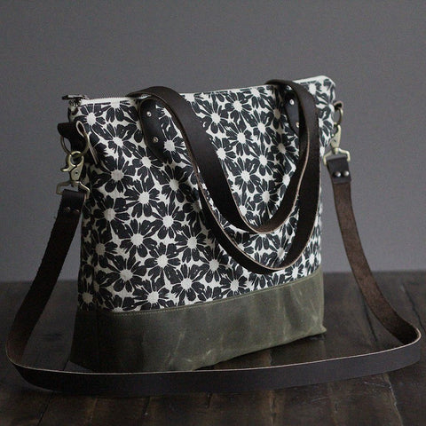 Crossbody Tote Bag in Flower Print