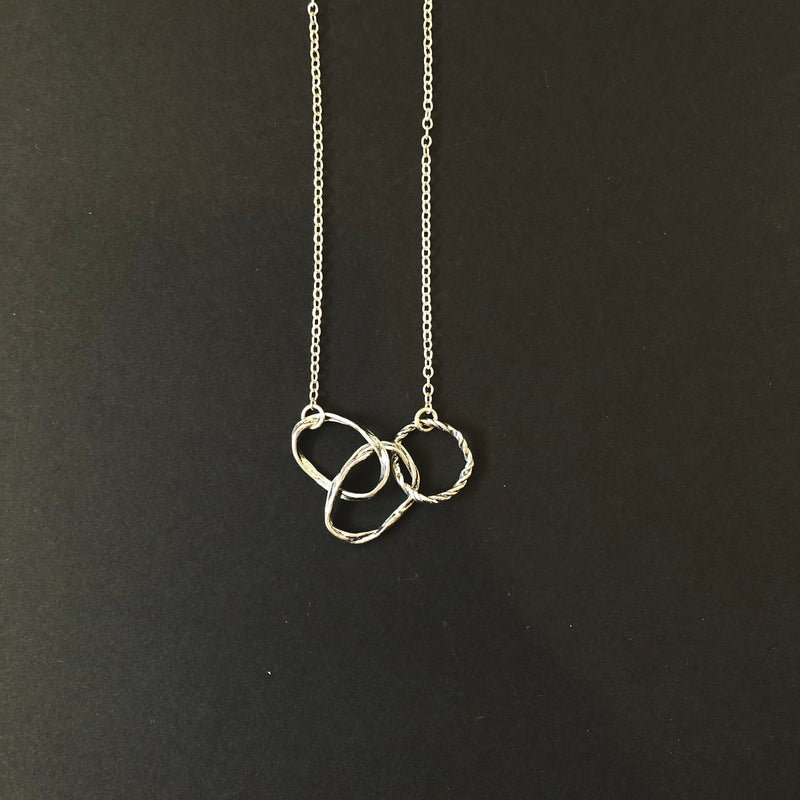 3 Textured Rings Necklace