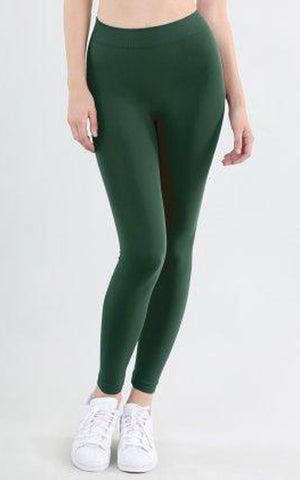 Nikibiki plus size seamless leggings in pine green