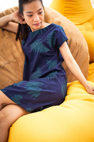 T-shirt Dress in Navy Fern Print