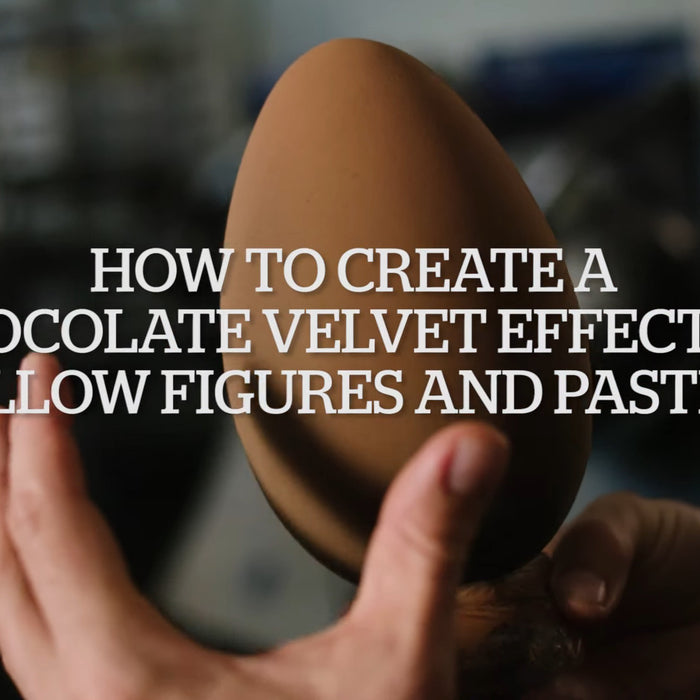 Spraying Chocolate Moulds - How to create Chocolate Velvet