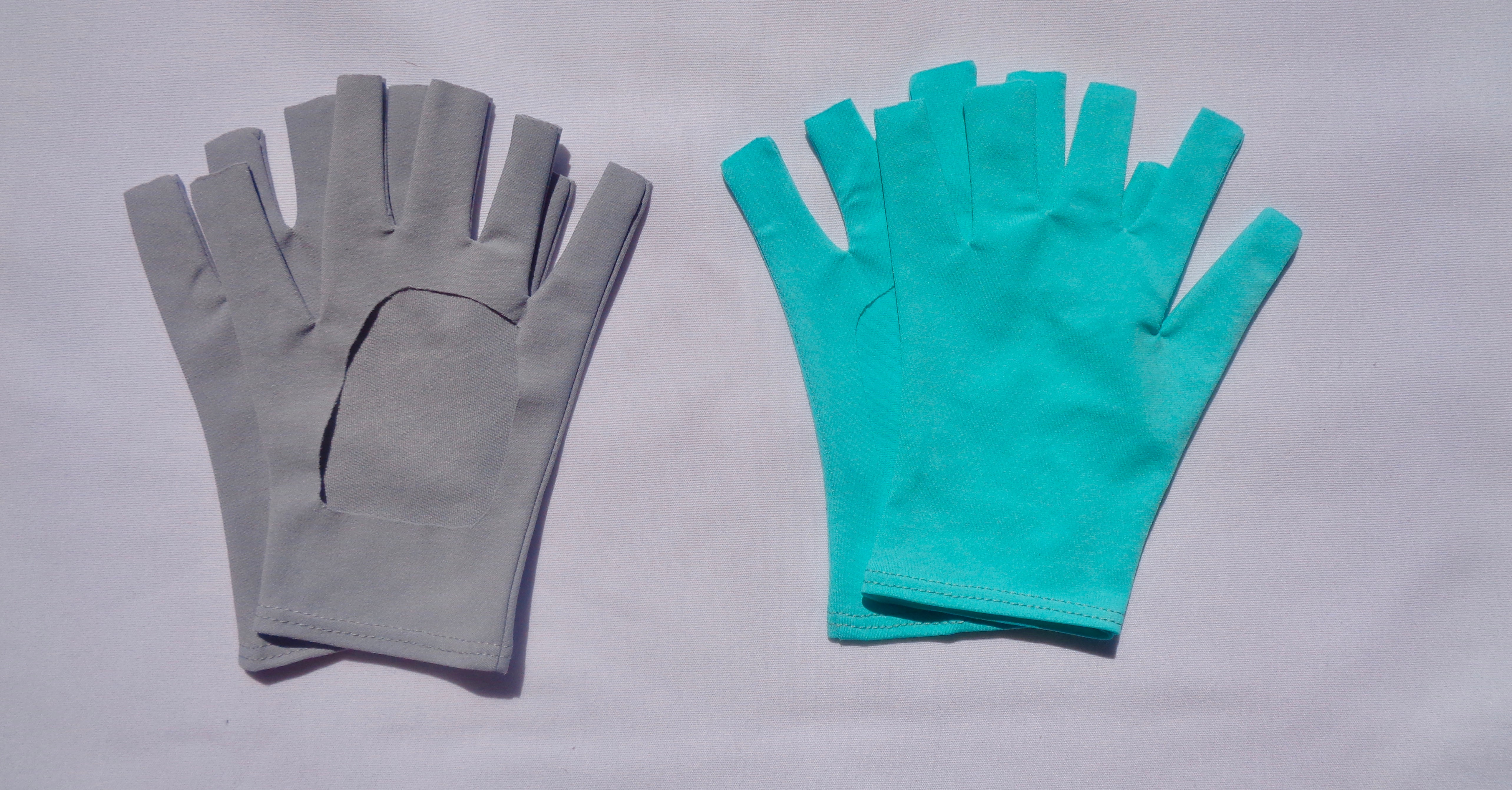 sun-protective-gloves-mercury-fresh-blue