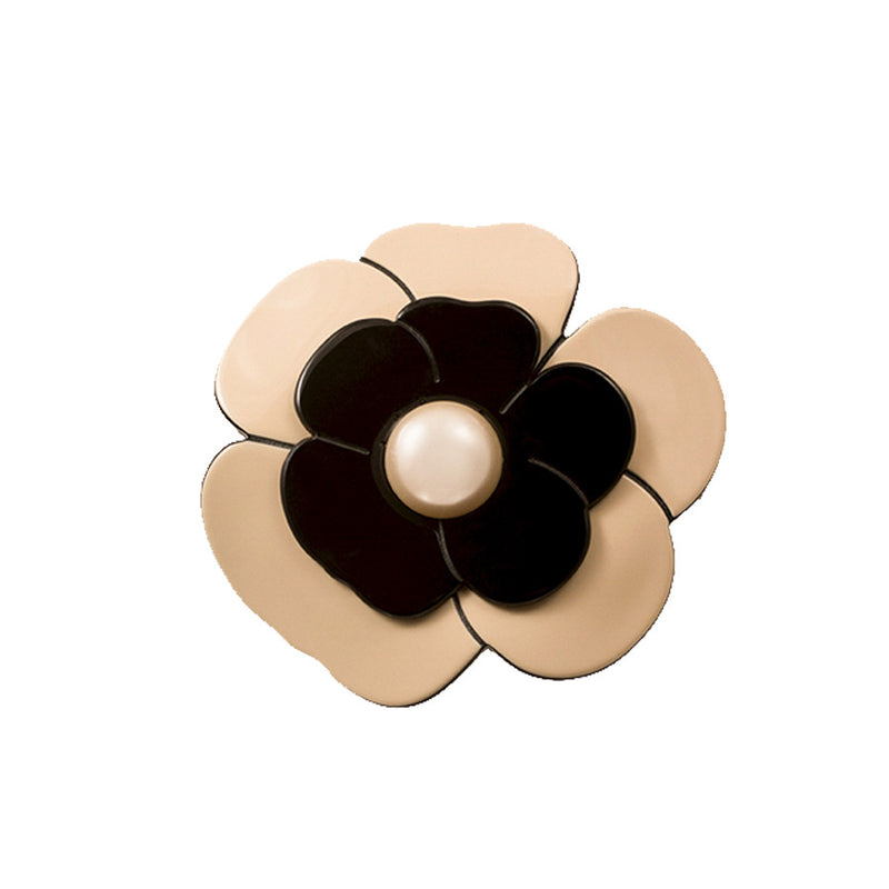 Brooch Camellia Pearl Medium