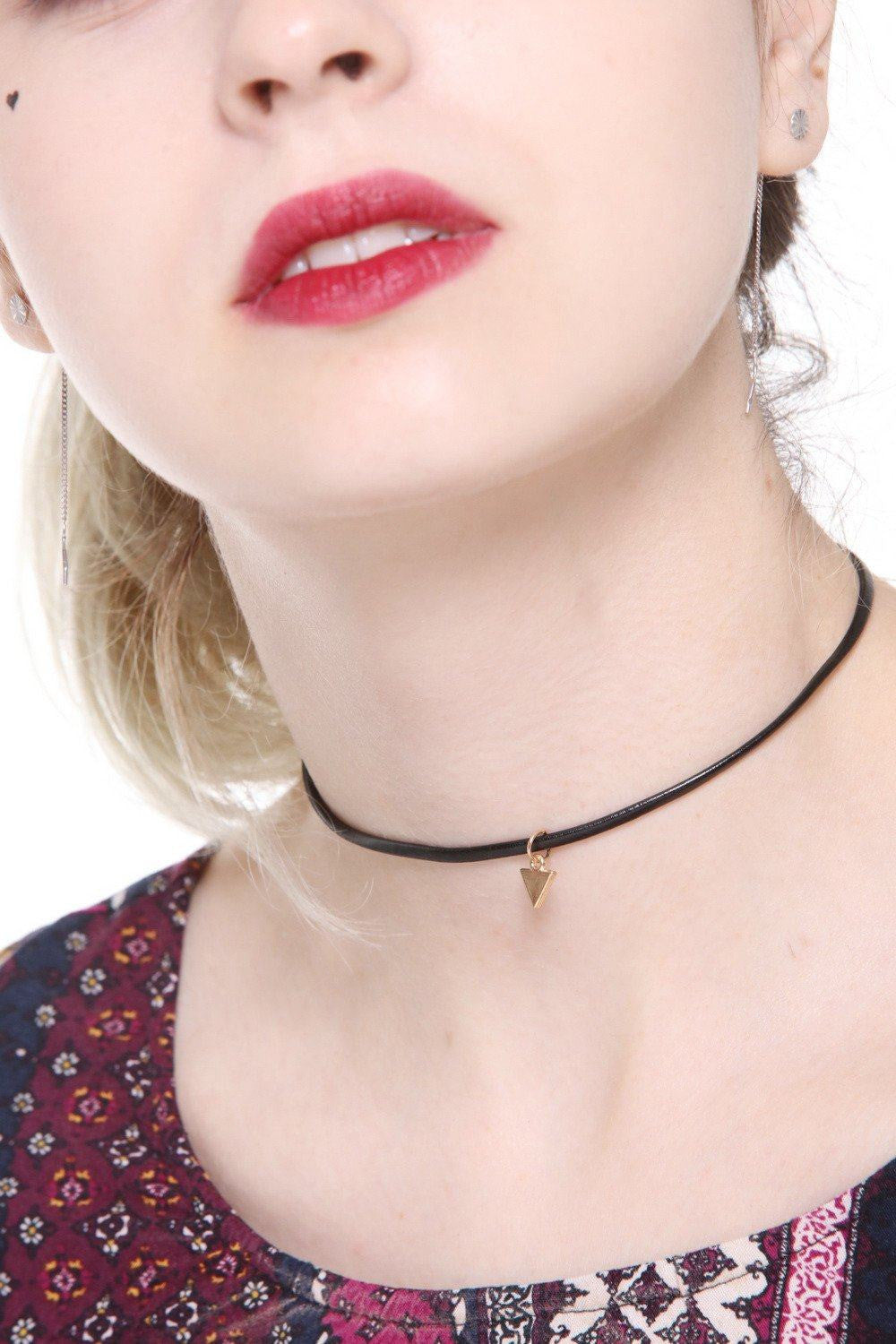 Triangle Charm Faux Leather Choker - Ciduire
