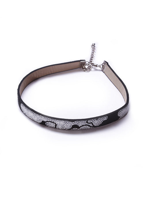 Faux Leather Patterned Choker - Ciduire