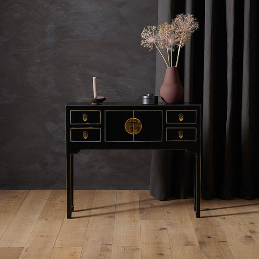 Small Black Chinese Console Table Chinese Furniture Candle and Blue