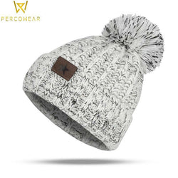 Hand-Knitted Winter Pom Beanie - PercoWear