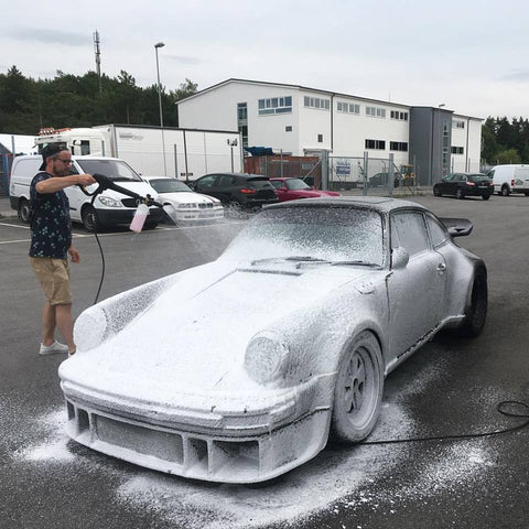 Porsche 930 foam gun washed with Purify and dried with terhune Refract SiO2