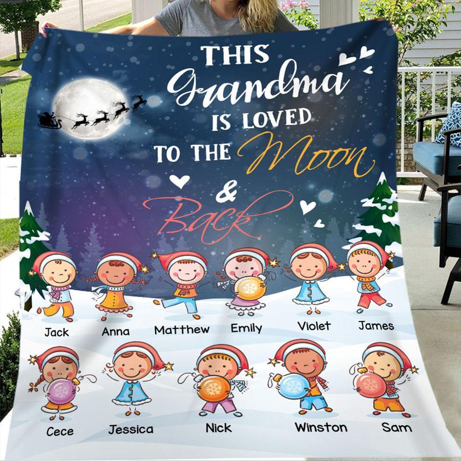 This Grandma Is Loved To The Moon And Back - Christmas | Family Personalized Blanket