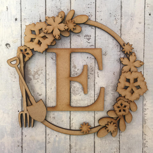 W007 - MDF Gardening Wreath - with Initial or Selected Word