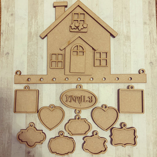 OL364 - MDF Hanging House With Frames