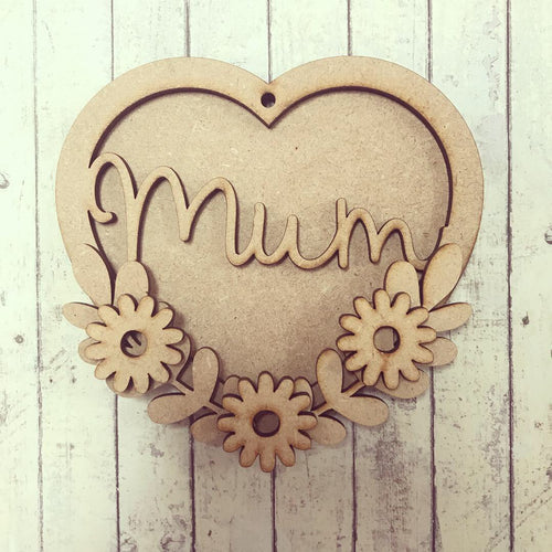 HB010 - MDF Hanging Heart - Daisy Themed with Choice of Wording - 2 Fonts
