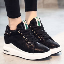 Prettymia Casual Lace Up Round Toe Sneakers