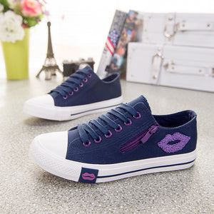 Comfortable Fashion Zipper Red Lips Canvas Shoes