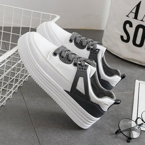 Prettymia Round Toe Lace Up Casual Platform Sneakers
