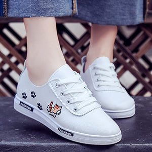 Prettymia Embroidered Lace Up Casual Shoes