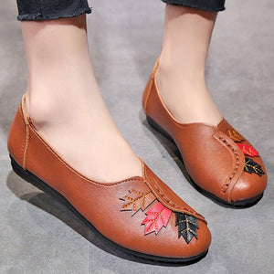 Prettymia Round Toe Embroidered Slip On Flat Loafers