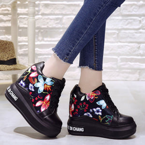 Prettymia Embroidery  Leather Elevator Heel Lace Up Casual Shoes