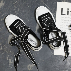 Prettymia Hollow Lace Up Canvas Shoes