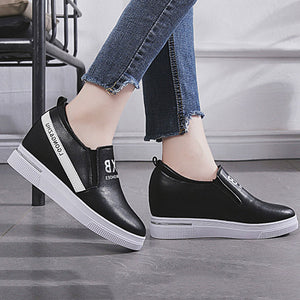 Prettymia Flat Slip On Round Toe Sneakers