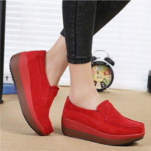 Prettymia Plus Size Round Toe Slip On Platform Wedge Loafers